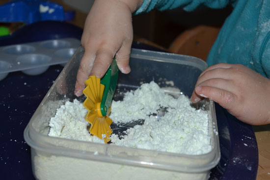 I accidentally stumbled upon a simple and fun sensory material - my toddler loved it, you should try it, too!