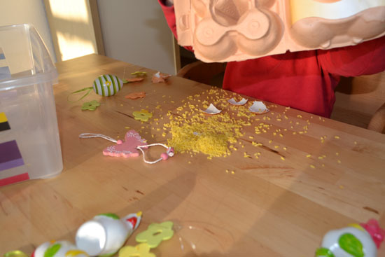 Set up a quick and simple sensory tub to welcome spring and Easter!