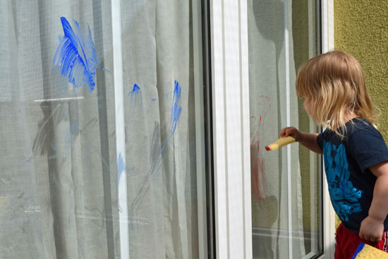Large-Scale Toddler Art: Paint a big window outside!