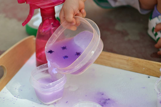 It looked like plain baking soda but with the help of some vinegar, it turned into Halloween Surprise Eruptions!