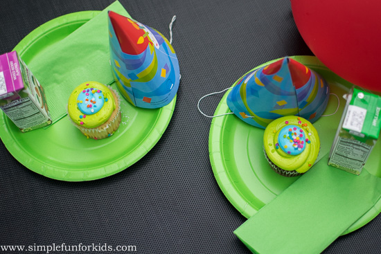 Just for fun: Reliving key elements of E's 4th birthday party with a quick and simple, low-key mother-daughter birthday after party!