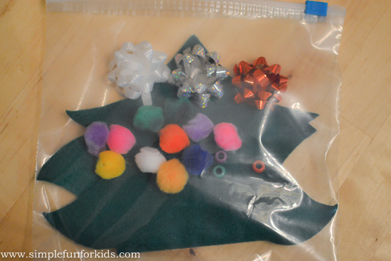 Super quick Christmas tree busy bag - when you need something to keep the kids busy and only have 10 minutes to put it together!