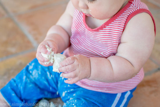 Super simple sensory activities for babies: Baby play with cloud dough from two common ingredients!