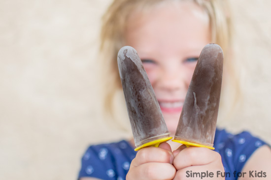 Nutella Popsicles: 2 ingredients, easy to make, and so delicious!