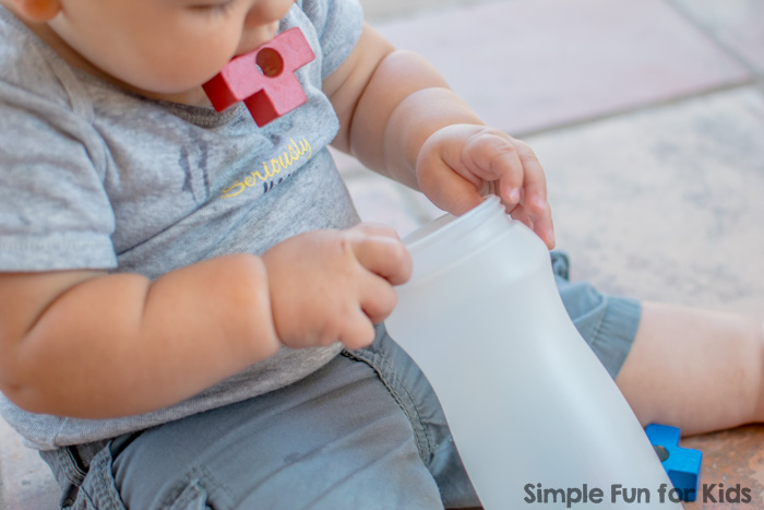 Super Simple Activities for Babies: Baby Play with Blocks and a Bottle
