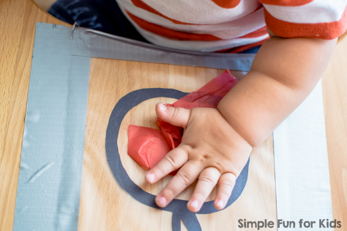 Apple Suncatcher Toddler Craft: super simple and cute, no matter the attention span!