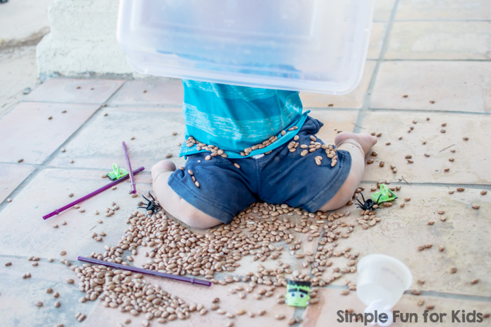I made a simple Halloween sensory bin for my toddler to explore!