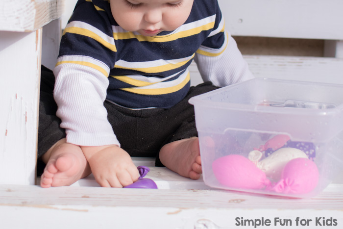 Simple Toddler Play: My son had a blast with this water balloon sensory bin! (Don't tell anyone, but my older preschooler was intrigued, too ;) )