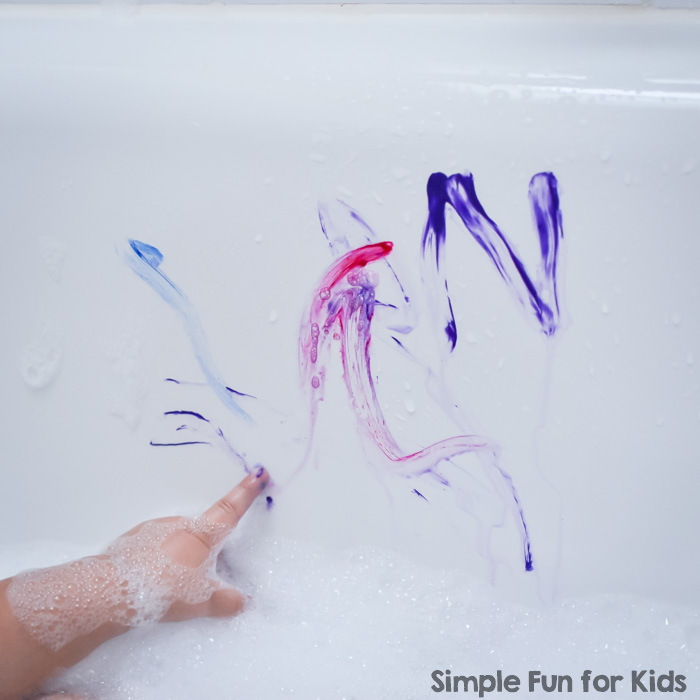Make bathtime more fun AND educational with this Super Simple Bathtub Art and Introduction to Letters activity, perfect for toddlers and preschoolers.