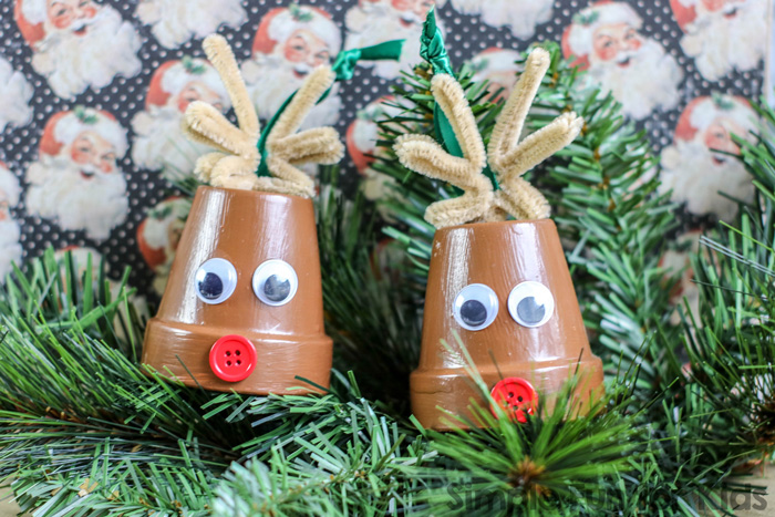 Isn't this Reindeer Terra Cotta Pot Christmas Ornament the cutest thing you've seen this week? Easy to make with kids of all ages and a great eyecatcher on the Christmas tree! It even has a bell.