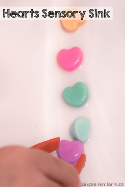 Simple indoor water play for kids of all ages:  A hearts sensory sink takes minute to prepare and is great fun for toddlers, preschooler, kindergartners, and older kids!
