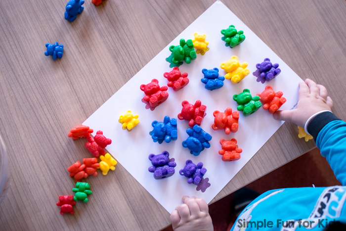 Practice follow instructions and work on color word vocabulary with this printable Rainbow Bears Listen and Cover Game! Perfect for toddlers who are learning their colors.
