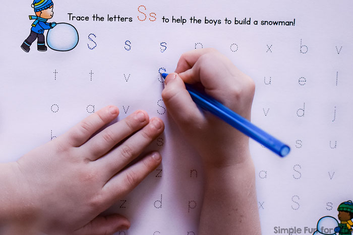 Practice writing the letter S with these printable no-prep S is for Snowman Handwriting Letter Mazes! Perfect for preschoolers and kindergarteners who are learning to write.